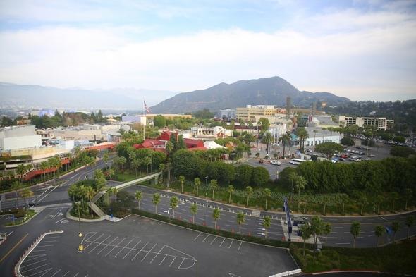 Hilton-Los-Angeles-Universal-City-Resort-Review-Photos-Trip-Advisor-Rock-Subculture-21