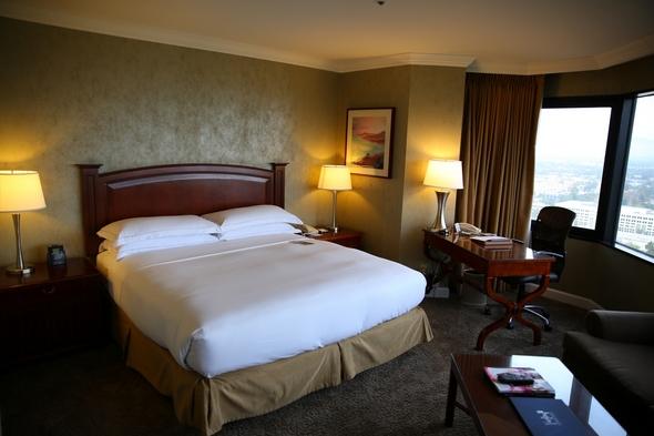 Hilton-Los-Angeles-Universal-City-Resort-Review-Photos-Trip-Advisor-Rock-Subculture-30