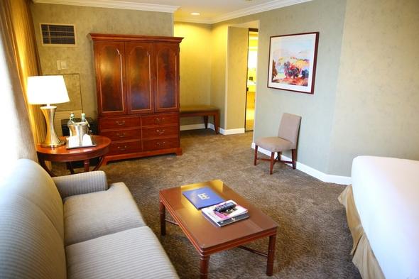 Hilton-Los-Angeles-Universal-City-Resort-Review-Photos-Trip-Advisor-Rock-Subculture-31