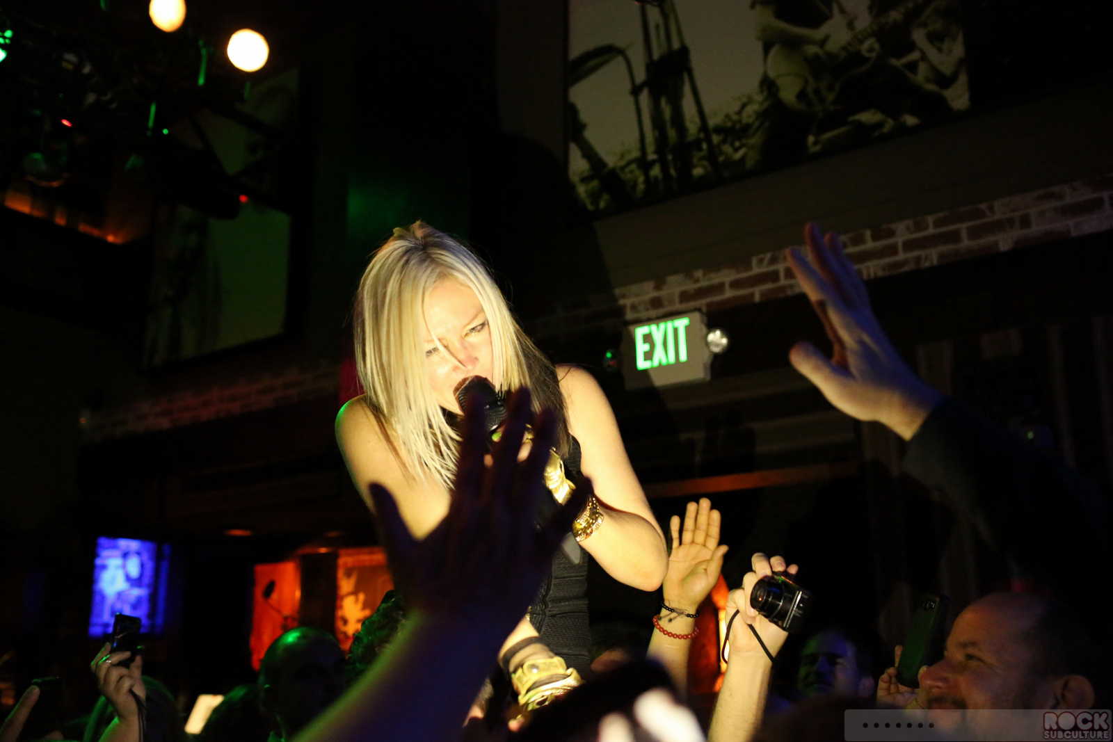 berlin featuring terri nunn at saint rocke hermosa beach california 2 1 2013 concert review. Black Bedroom Furniture Sets. Home Design Ideas