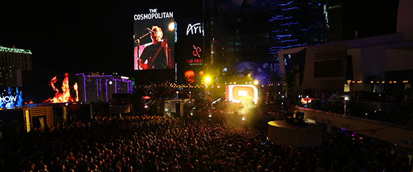 New-Order-Johnny-Marr-Las-Vegas-Cosmopolitan-Boulevard-Pool-2013-Concert-Review-Photos-FI
