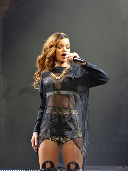 Rihanna-Concert-Review-2013-High-Resolution-Photography-Unapologetic-San-Jose-HP-Pavilion-Diamonds-World-Tour-001-RSJ