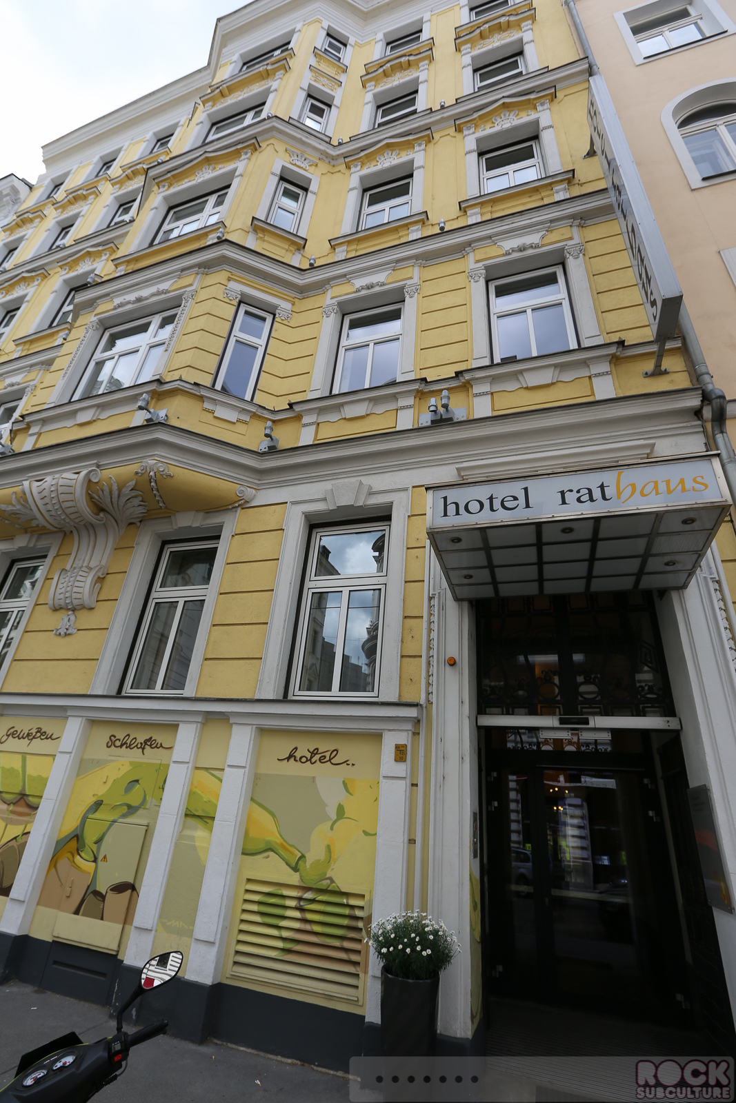 Hotel resort review hotel rathaus wein design vienna for Design hotel wien