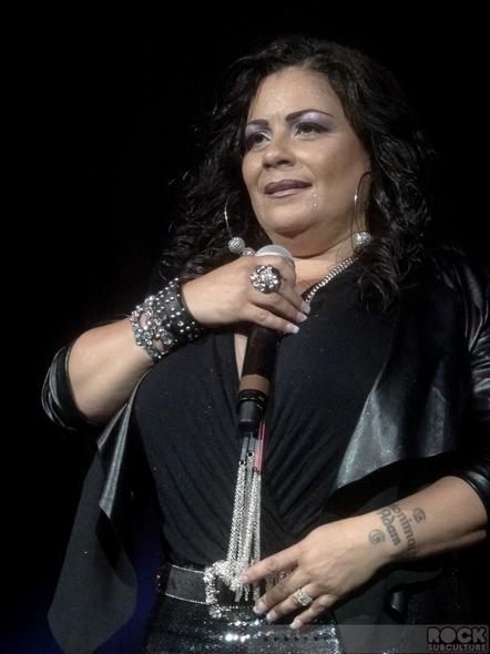 Lisa-Lisa-Super-Freestyle-Explosion-Concert-Review-Photos-San-Jose-HP-Pavilion-June-29-2013-01-RSJ
