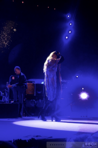 Fleetwood-Mac-2013-Tour-Concert-Review-Sacramento-Sleep-Train-Arena-July-6-Photos-Photography-01-RSJ