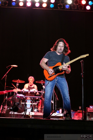Creedence-Clearwater-Revisited-CCR-Concert-Review-Live-October-3-2013-Texas-Grand-Prix-of-Houston-Reliant-Park-Event-Photos-01-RSJ
