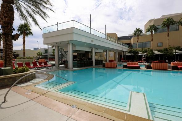 Palms-Hotel-Resort-Casino-Las-Vegas-Nevada-Hotel-Review-Travel-Advisor-01-RSJ