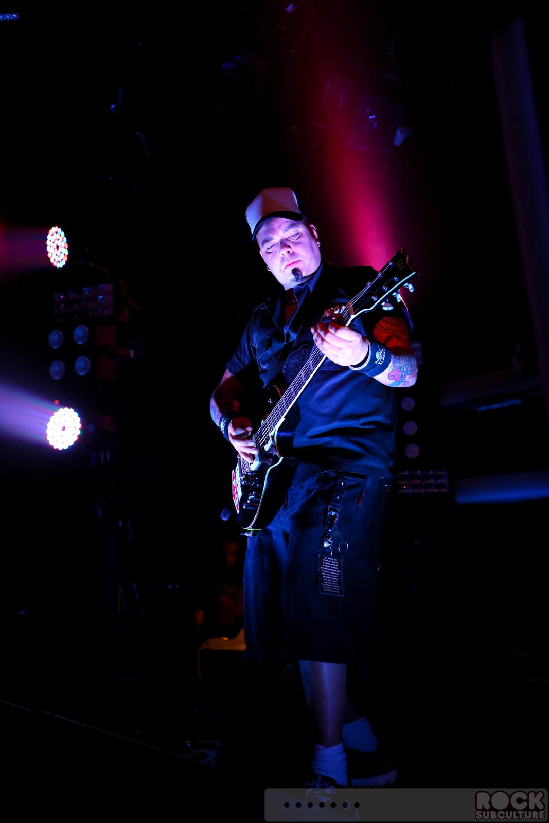 Tohuvabohu - KMFDM | Songs, Reviews, Credits | AllMusic