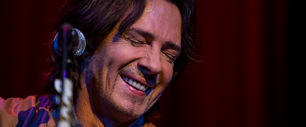 Rick-Springfield-Stripped-Down-Solo-Show-Concert-Review-2014-Tour-Photos-Yoshis-San-Francisco-March-13-FI