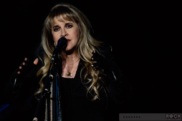 Fleetwood-Mac-Concert-Review-2014-On-With-The-Tour-Live-Photos-Sacramento-Sleep-Train-Arena-01-RSJ