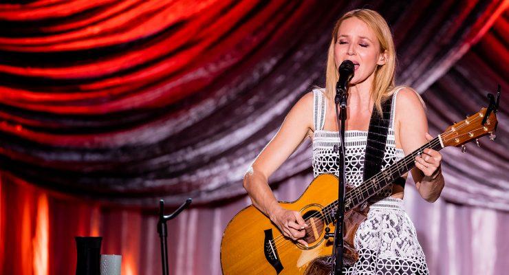 Jewel at Veterans Memorial Auditorium | Grass Valley, California | 5/14/2016 (Concert Review + Photos)