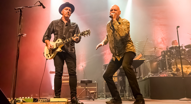 Midnight Oil at Fox Theater   Oakland, California   5/27/2017 (Concert Review + Photos)