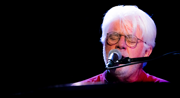Michael McDonald at Crest Theatre | Sacramento, California | 7/10/2018 (Concert Review + Photos)