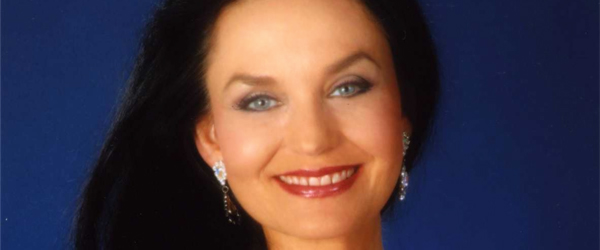 Crystal-Gayle-North-American-Australia-Tour-2013-US-Dates-Details-Tickets-Sale-Concert-Announcement-FI