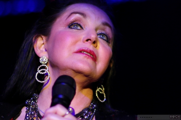 Crystal-Gayle-Live-Concert-Review-2013-Thunder-Valley-Lincoln-California-Tour-01-RSJ