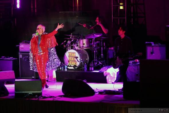 Yeah-Yeah-Yeahs-YYY-Karen-O-Concert-Review-Photos-Las-Vegas-2013-Cosmopolitan-Boulevard-Pool-01-RSJ