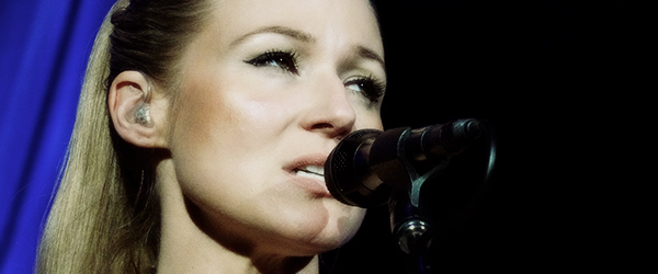Jewel-Kilcher-Greatest-Hits-Tour-Concert-Review-2013-June-8-Wild-Horse-Pass-Chandler-Arizona-Photos-Video-fijpg