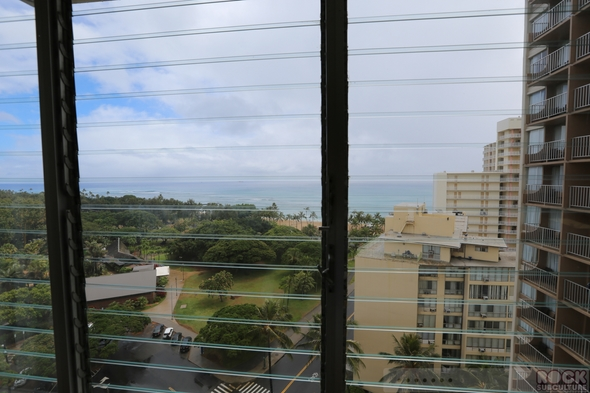 Queen-Kapiolani-Resort-Hotel-Review-Honolulu-Waikiki-Oahu-Hawaii-Photos-Opinion-Beach-Ocean-View-01-RSJ