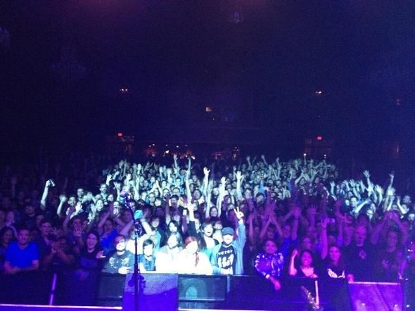 The-Breeders-Last-Splash-LSXX-20th-Anniversary- 2013-Tour-Live-Concert-Review-Photos-Kim-Deal-4AD-Crowd-RSJ