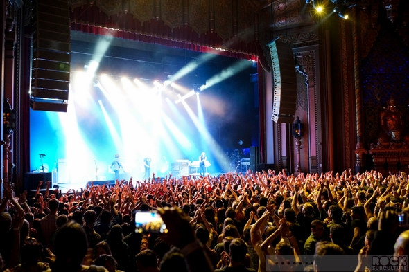 Arctic-Monkeys-Concert-Review-2013-Tour-Photos-Fox-Theater-Oakland-California-September-26-27-101-RSJ