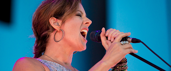 Sarah-McLachlan-Concert-Review-Shine-On-Tour-2014-Harveys-Outdoor-Arena-Lake-Tahoe-Nevada-Photos-Setlist-FI