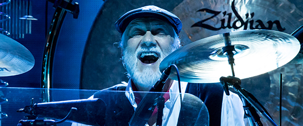 Fleetwood-Mac-Concert-Review-2014-On-With-The-Tour-Live-Photos-Sacramento-Sleep-Train-Arena-FIa