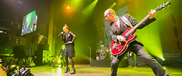 Garbage-20-Years-Queer-Tour-2015-US-Live-Dates-Tickets-Meet-and-Greet-VIP-Access-Adventures-in-Wonderland-FI